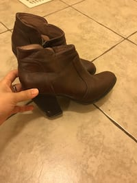pair of brown leather boots Ottawa, K1T 0G6