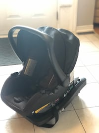 EvenFlo Car seat + Base + free Baby Carrier Vaughan, L4K 4X5