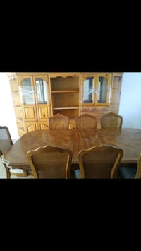 China cabinet /dining room table  Las Vegas, 89103