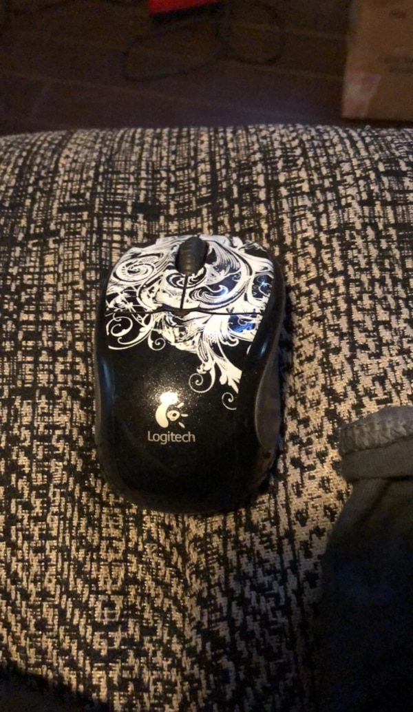 Logitech wireless mouse in excellent condition