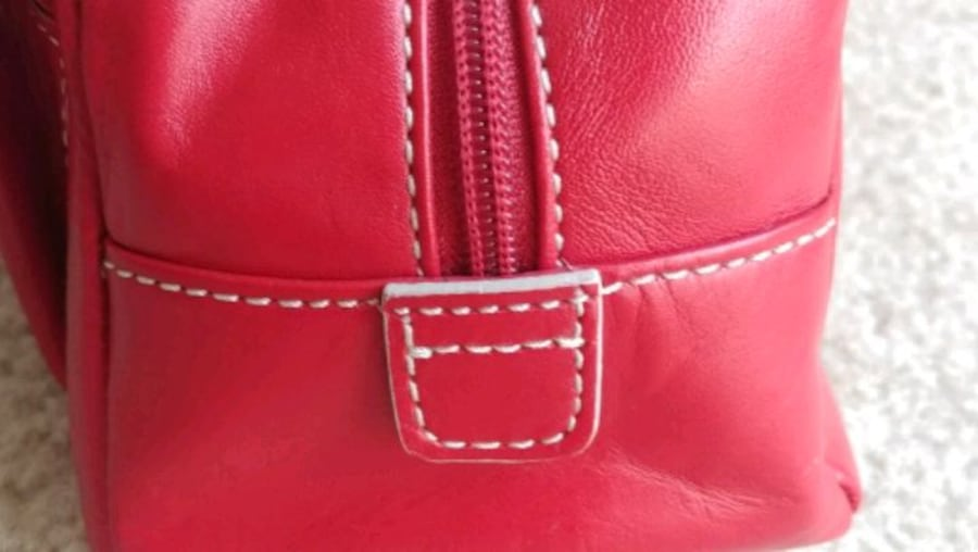 Women's 100% genuine leather cherry red handbag (brand: Hype) 4cf426cb-1620-4754-9230-e00de3a4f1bd
