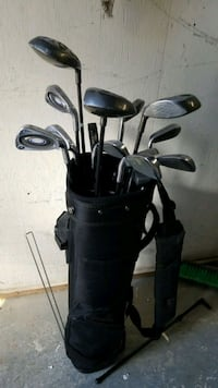 black and gray golf bag with golf clubs Toronto, M9W 4J4