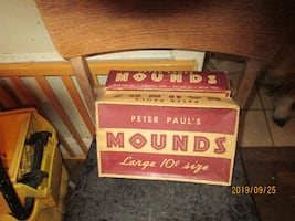 Collectible Vintage Mounds Box