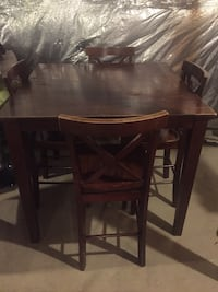 Vintage wooden table set from Pier 1 imports Laurel, 20723