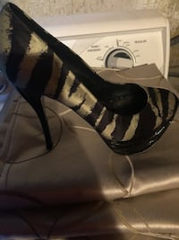 Pair of black leather Bebe   open-toe heeled sandals Oak Lawn, 60453