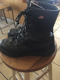 Pair of black leather work boots Selma, 93662