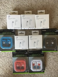 13 Piece Wired & Wireless earbuds lot Tustin, 92782