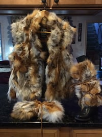 Miller size medium Fox vest and leg/boot wrap, warmers. I love this sad however I am allergic so sad my cell Haverhill, 01832