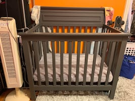 4 in 1 crib with extras bumper sheets and mattress
