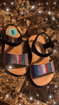 Pair of black-and-brown sandals McAllen, 78501
