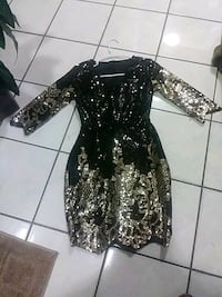 black and white floral long-sleeved dress Castroville, 95012