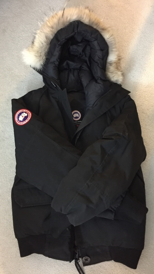 cdfd23ef9be Used Authentic Canada Goose winter coat for sale in Montréal - letgo