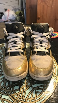 Limited Special Edition of Reebok Pumps. Size 11! Omaha, 68154