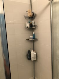 Adjustable shower caddy. Can be used in shower stall or bathtub Coquitlam, V3C 3L2