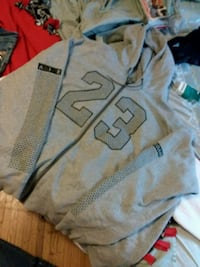 gray and black Nike pullover hoodie Des Moines, 50312