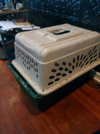 white and black pet carrier Chicago, 60628