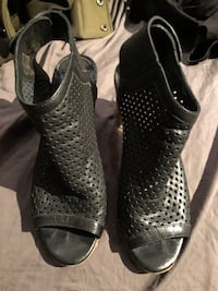 Mimosa black leather heels sz 39 Burnaby, V5G 3X4