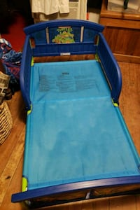 kids bed with matress  never used Williamsport, 17701