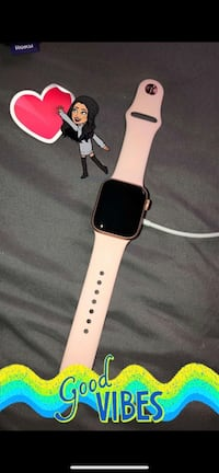 Apple Watch Series 4 40mm Rose Gold Detroit Lakes, 56501