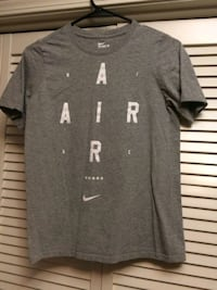 Nike tee shirt size small Brandon, 39047