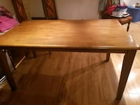 Solid wood dining room table Ajax, L1S 2C4