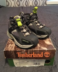 Keep little feet warm. Brand new Timberland size 6 toddler. Whitby, L1R 0L7