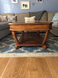 Gorgeous solid wood glass coffee 2 end tables Bristow, 20136