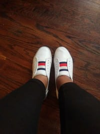 pair of white-and-red Tommy Hilfiger Davenport