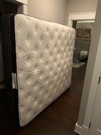 California king high end mattress Alexandria, 22315