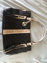 Michael Kors bag BNWT White Rock, V4B