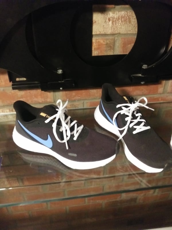 Brand new size 10 nike and underarmor size 10 40 each a99eef7e-defe-4201-b8b7-6e768133468c