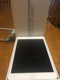 Silver iPad mini 2 16GB Oakland, 94603