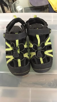 Kids Shoes size  2