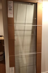 30 inch glass door with the itching