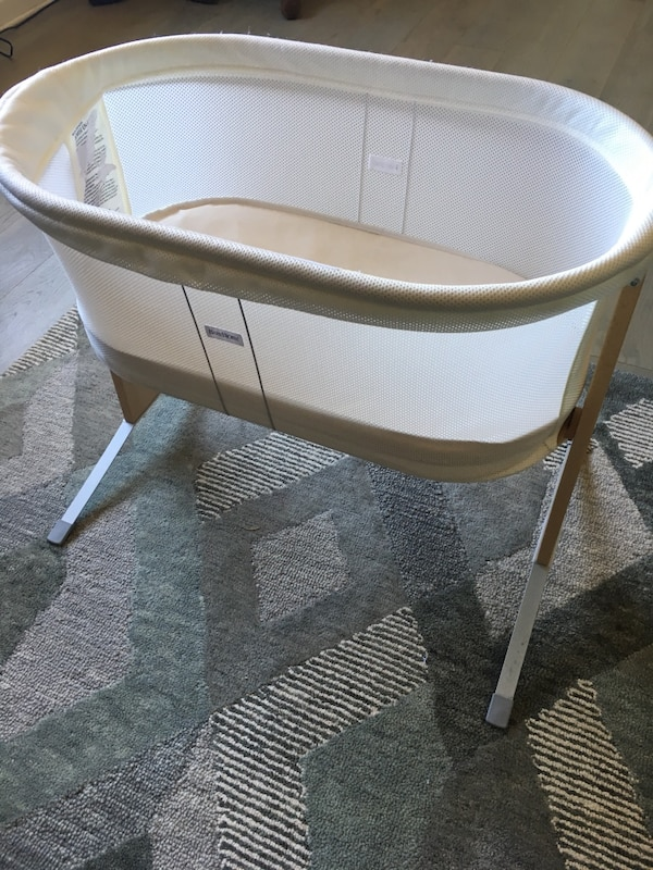 4ed5ef727eb Used Baby Bjorn Bassinet (Nearly New) for sale in Oakland - letgo