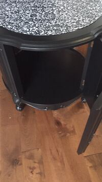 Solid Wood End Table Cambridge, N1R