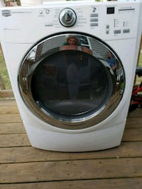 Maytag 5000 series w/ steam  clothes dryer Liverpool