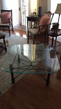 glass coffee table Purcellville, 20132