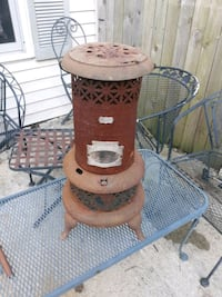 Antique oil heater Dont ask me if it works !