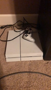 White  ps4 console with controller Aurora, 80016