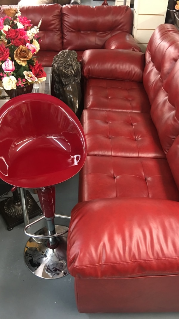 Red leather sofa set (sofa ang loveseat )