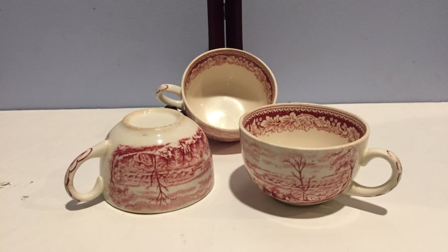Currier and Ives Pink Royal China Transfer Ware - 3 Cups 7ce9ab66-dc15-42f4-bcb6-0fe11151440a