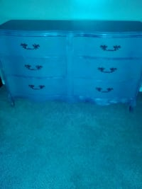 Gray wooden 6-drawer chest Oklahoma City, 73139