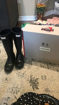 girls size 4 Hunter Rain Boots. Like new. Pickup onky Vaughan, L4H 1X2