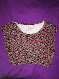 Women's red and black floral crew-neck sleeveless crop top