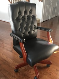 black leather office rolling armchair Woodbridge, 22193