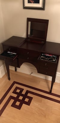 brown wooden jewelry drawer Vaughan, L4H 1T2