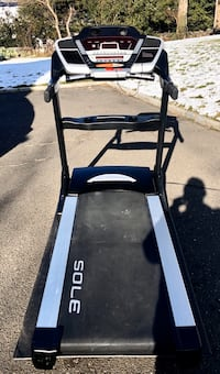 Mint treadmilll, Sole F85 top of line barely used, foldable treadmill.