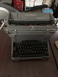 Vintage Underwood Made in Canada Typewriter MUST GO Vancouver, V6P 1A1