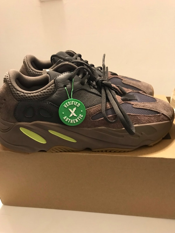 6018112104e3 Used Yeezy 700 mauve for sale in New York - letgo